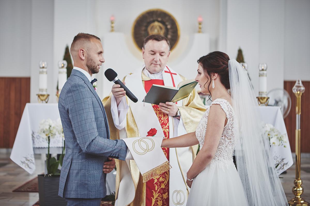 Skrót z reportażu ślubnego w Dworku Broniszówka 52
