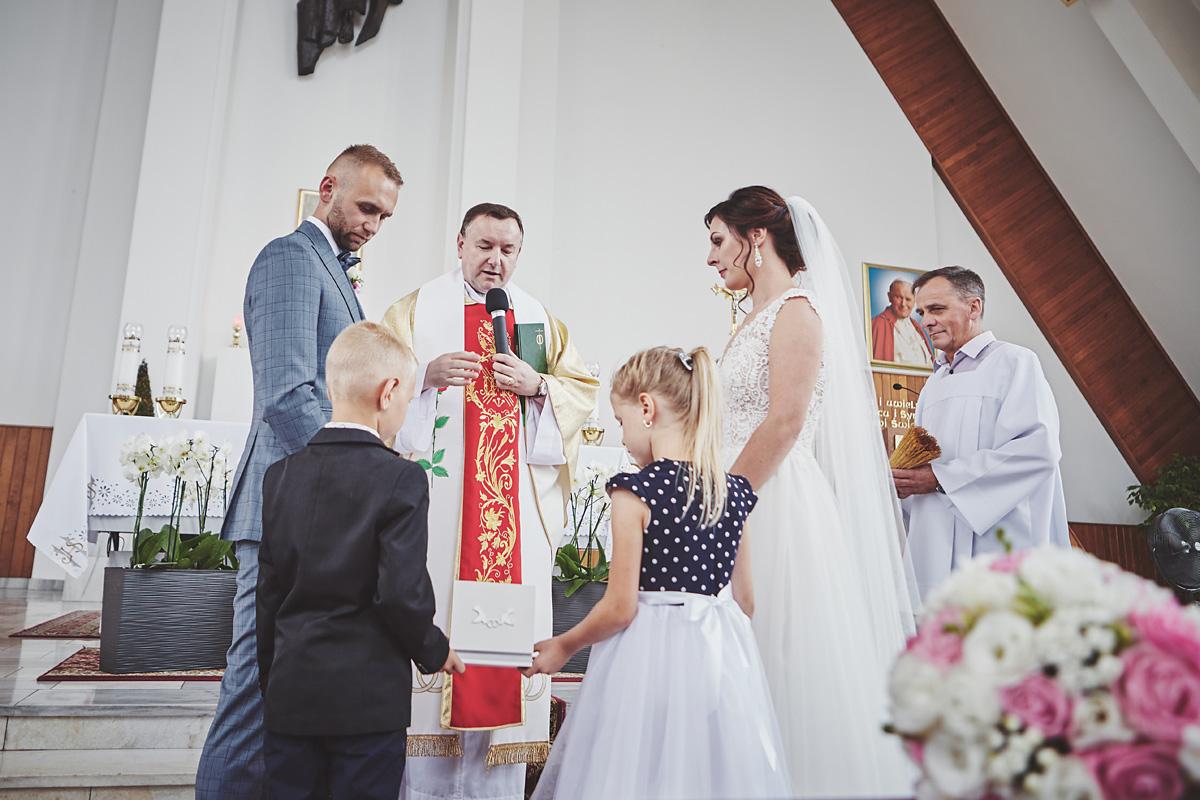 Skrót z reportażu ślubnego w Dworku Broniszówka 56
