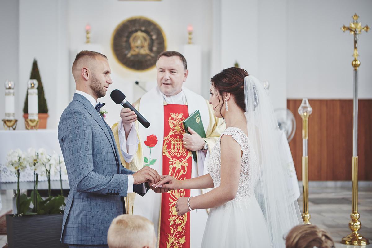 Skrót z reportażu ślubnego w Dworku Broniszówka 57