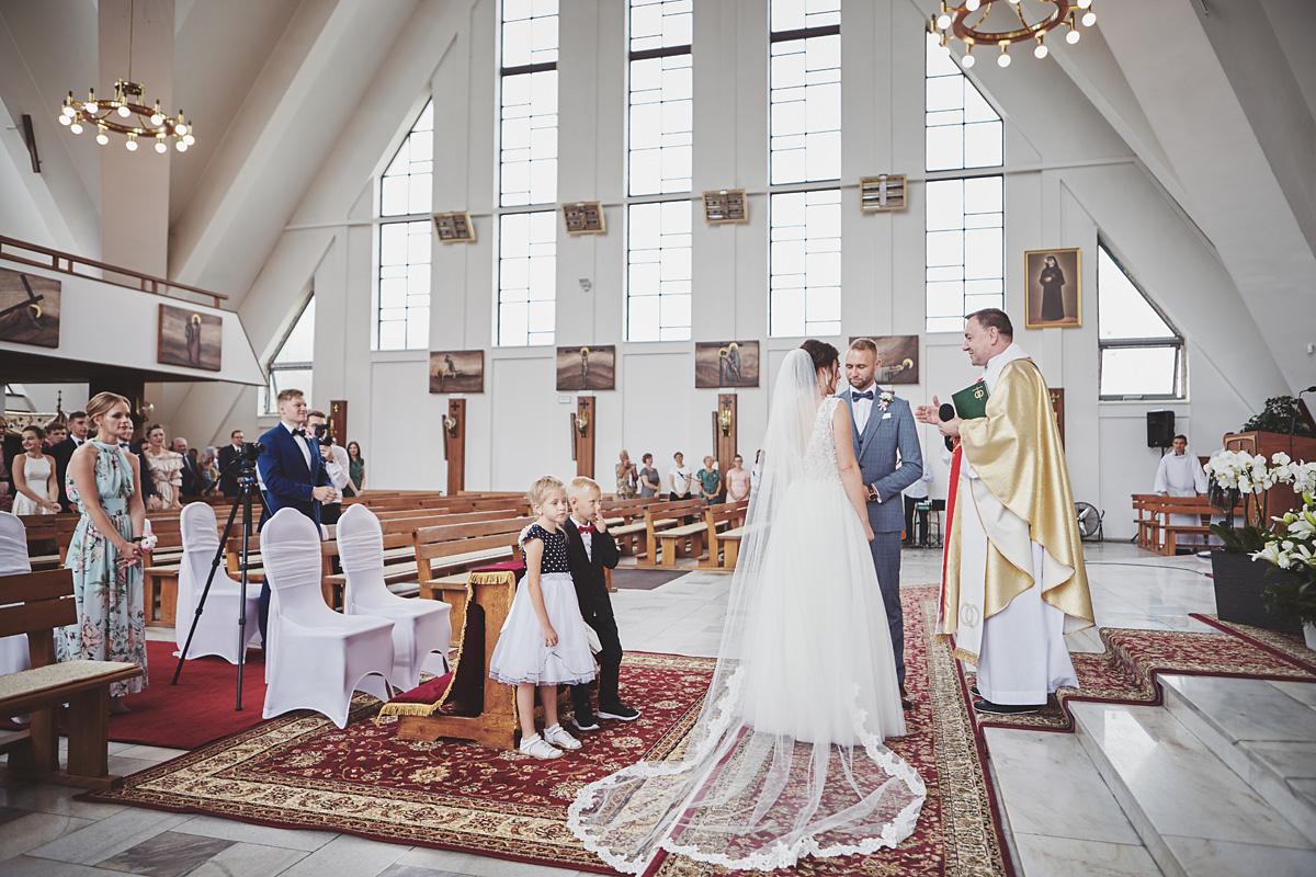 Skrót z reportażu ślubnego w Dworku Broniszówka 59