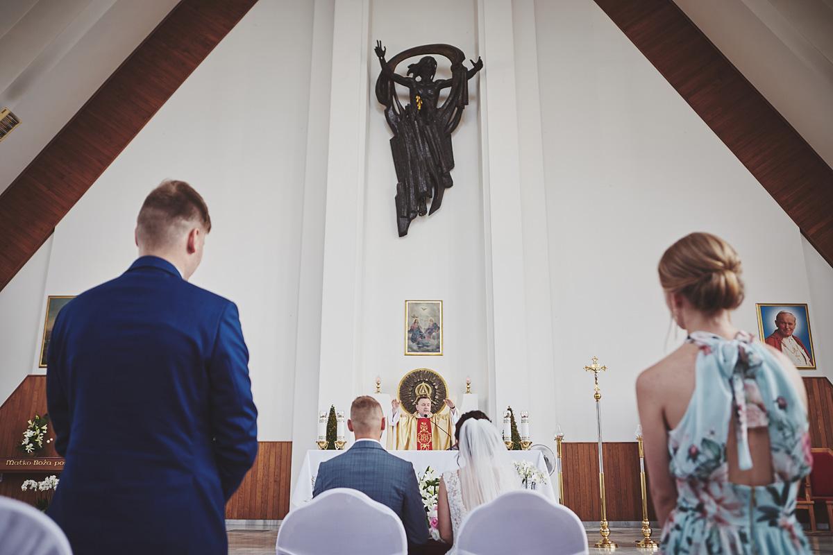 Skrót z reportażu ślubnego w Dworku Broniszówka 63