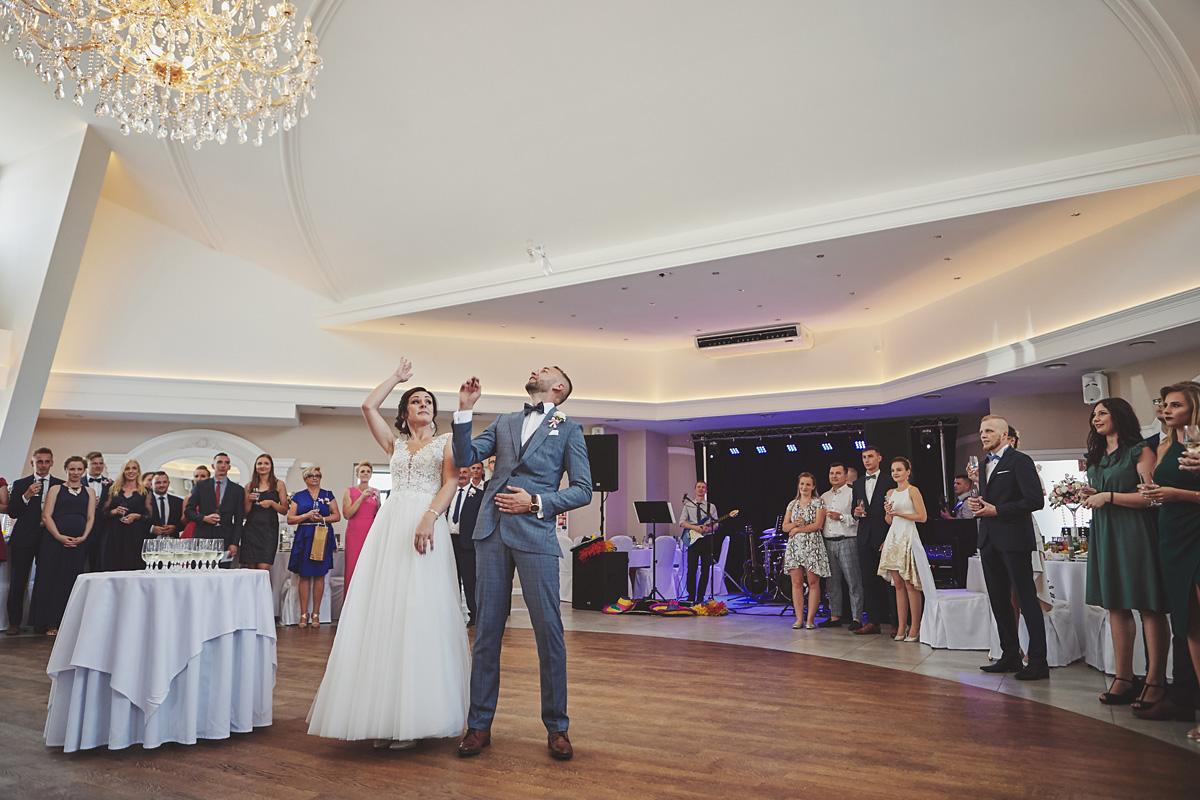 Skrót z reportażu ślubnego w Dworku Broniszówka 75