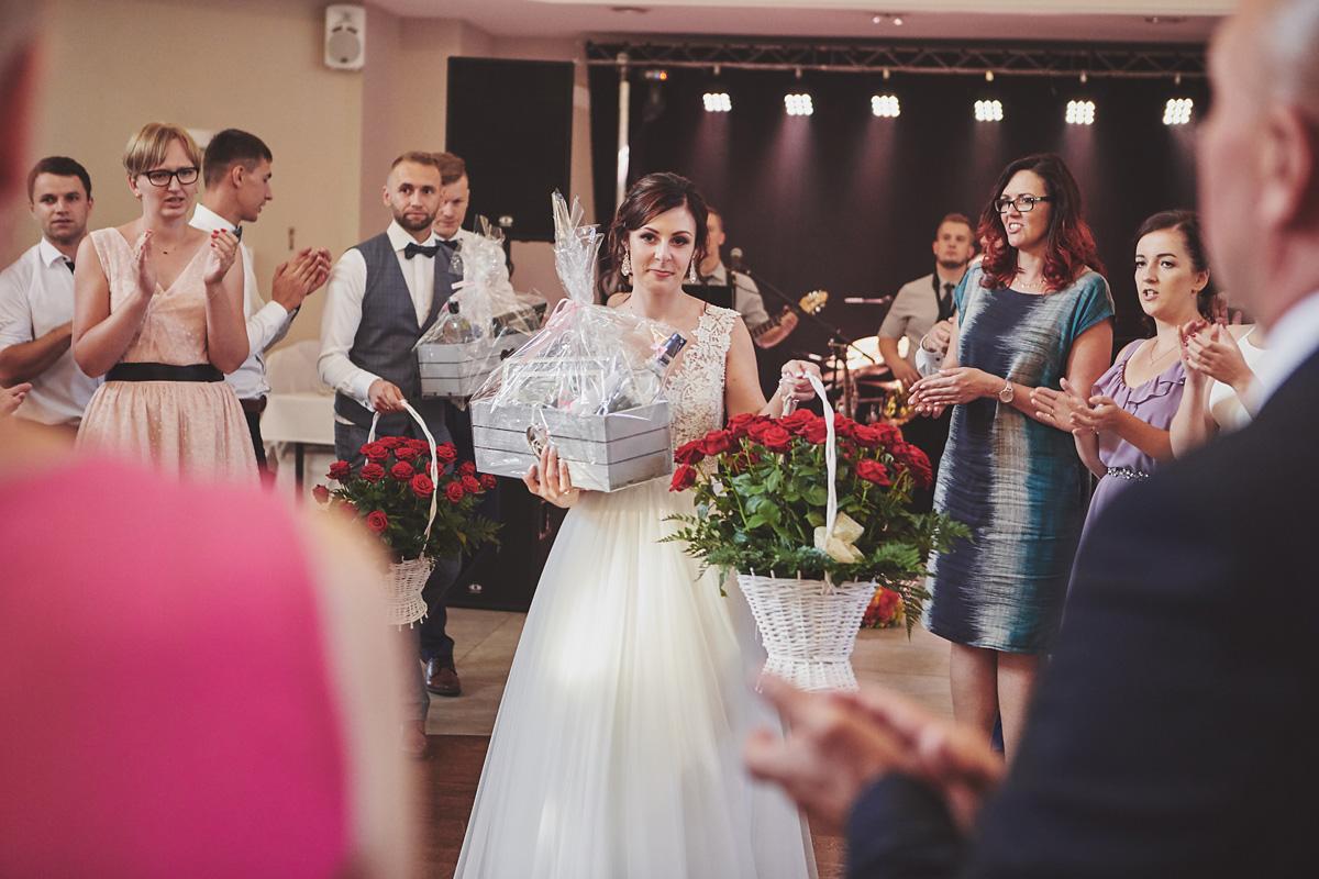 Skrót z reportażu ślubnego w Dworku Broniszówka 96