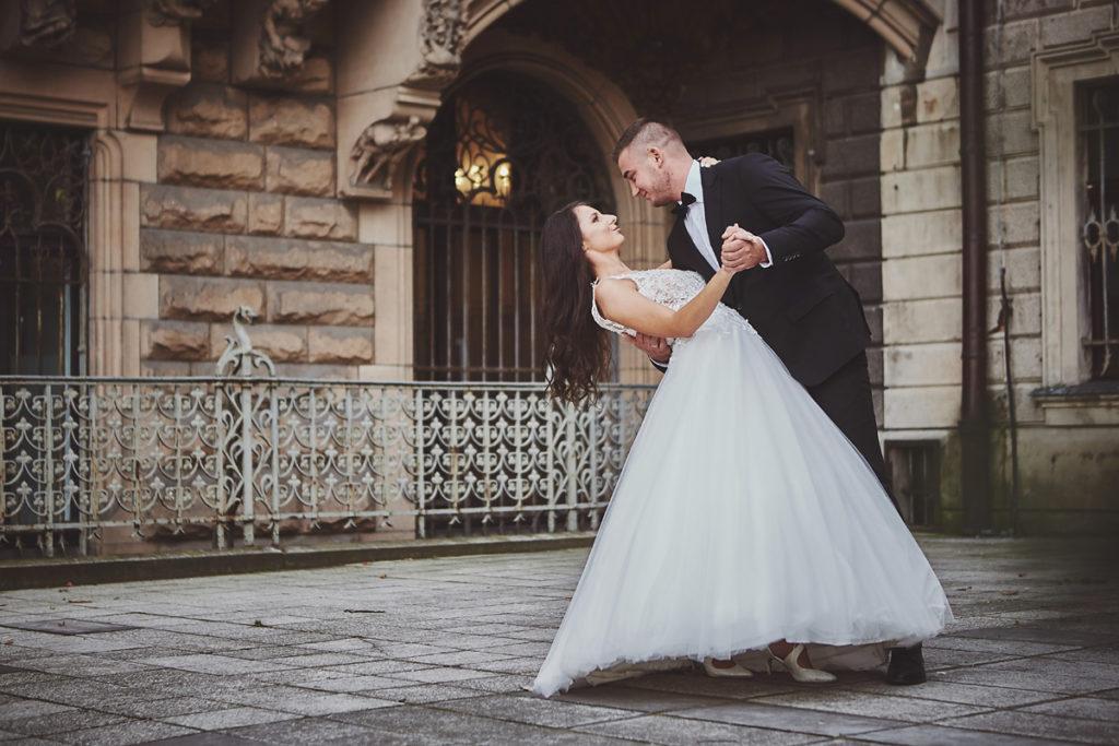 Plener ślubny na zamku w Mosznej 44